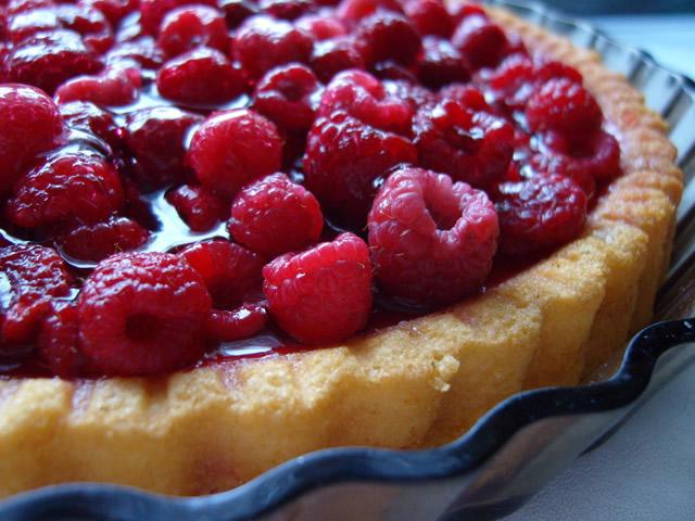 Пирог из замороженных ягод малины